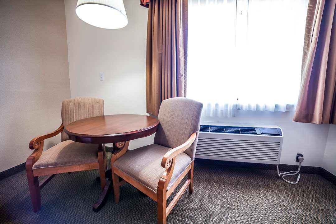 Bryce Canyon Double Queen Suite Sitting Area
